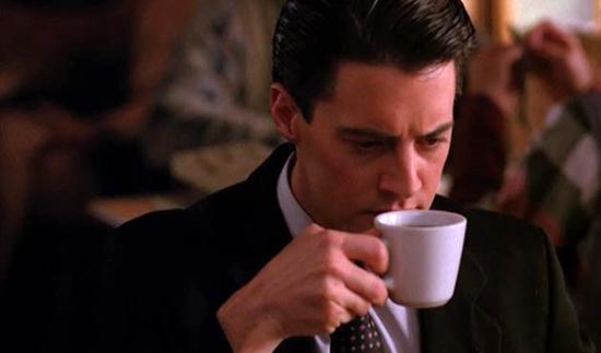 Любимый черный кофе агента